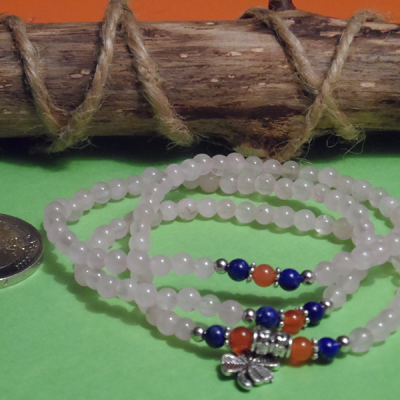 bracelet élastique 3 tours /collier en quartz rose, lapis lazuli, cornaline 6 mm avec trèfle