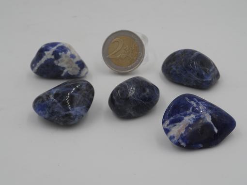 pierres roulées en sodalite bleue